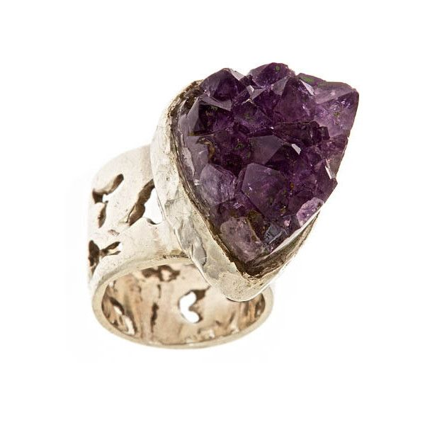 Anuja Tolia Cut Out Ring with Purple Stone Anuja Tolia (700 PEN) ❤ liked on Polyvore featuring jewelry, rings, accessories, schmuck, women, stone jewelry, stone jewellery, anuja tolia, purple jewellery and purple jewelry