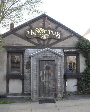 The Knot Pub, Lunenburg Picture: The Knot - Check out TripAdvisor members' 2,768 candid photos and videos.