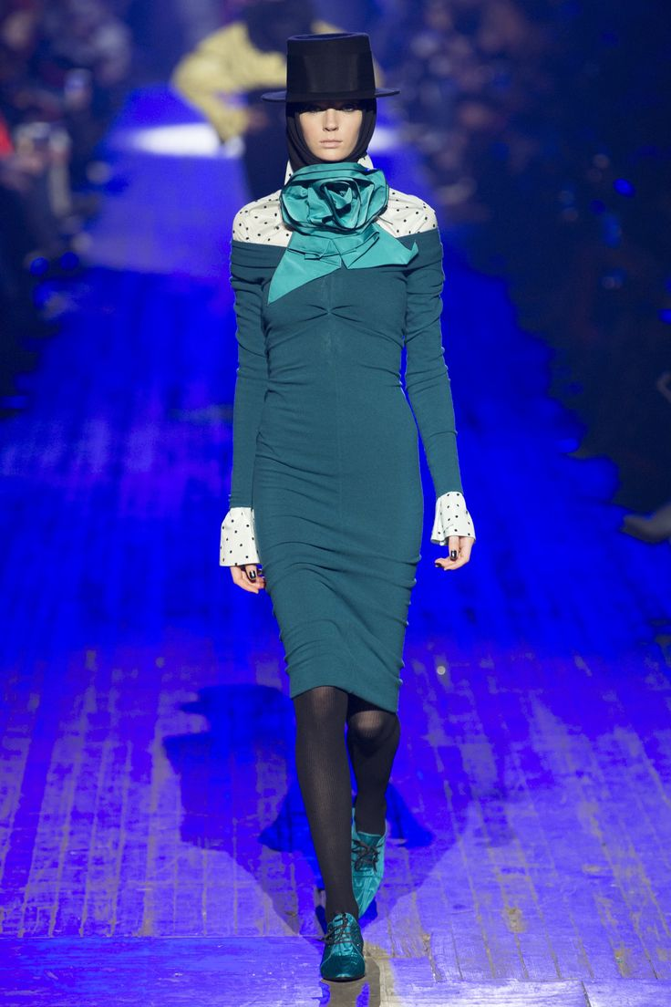 images Celine FallWinter 2015-2019 Collection – Paris Fashion Week