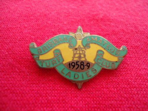 1958-59-BRISBANE-AMATEUR-TUF-CLUB-RACING-MEMBERSHIP-BADGE-LADY