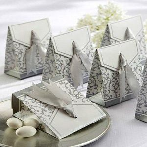 Silver Wedding Favors    Keywords: #silverweddings #jevelweddingplanning Follow Us: www.jevelweddingplanning.com  www.facebook.com/jevelweddingplanning/