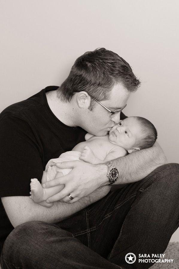 @sarapaleyphoto #paleypix #portraitphotography #newborn #baby #lifestyle #portraits #babyboy #familyportrait