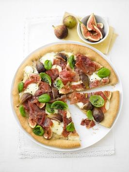 Prosciutto, Mozzarella and Fig Pizza