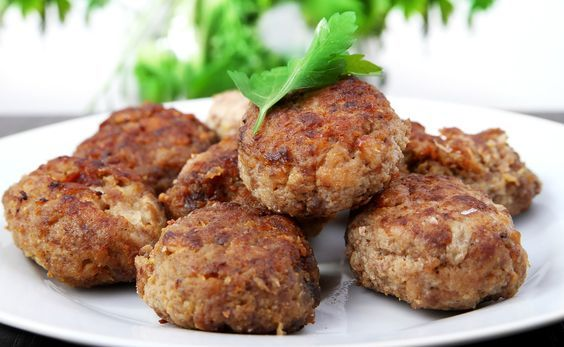 You can't go wrong with some typical Italian Polpette I guess ;)