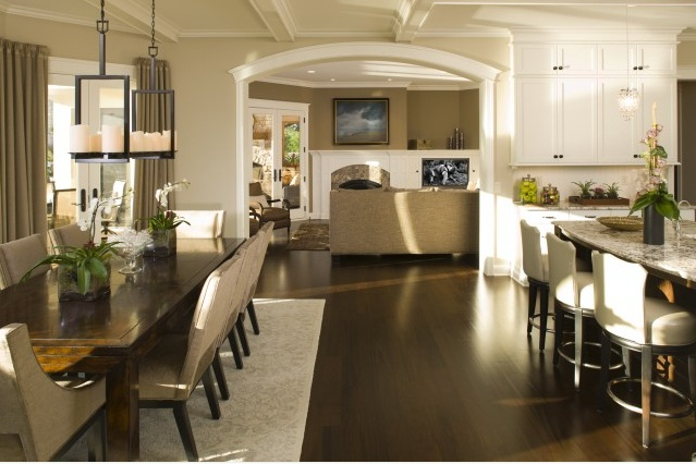 Similar to an LC Oaks plan, no need for a separate dining area with a large breakfast space and generous bar area.
