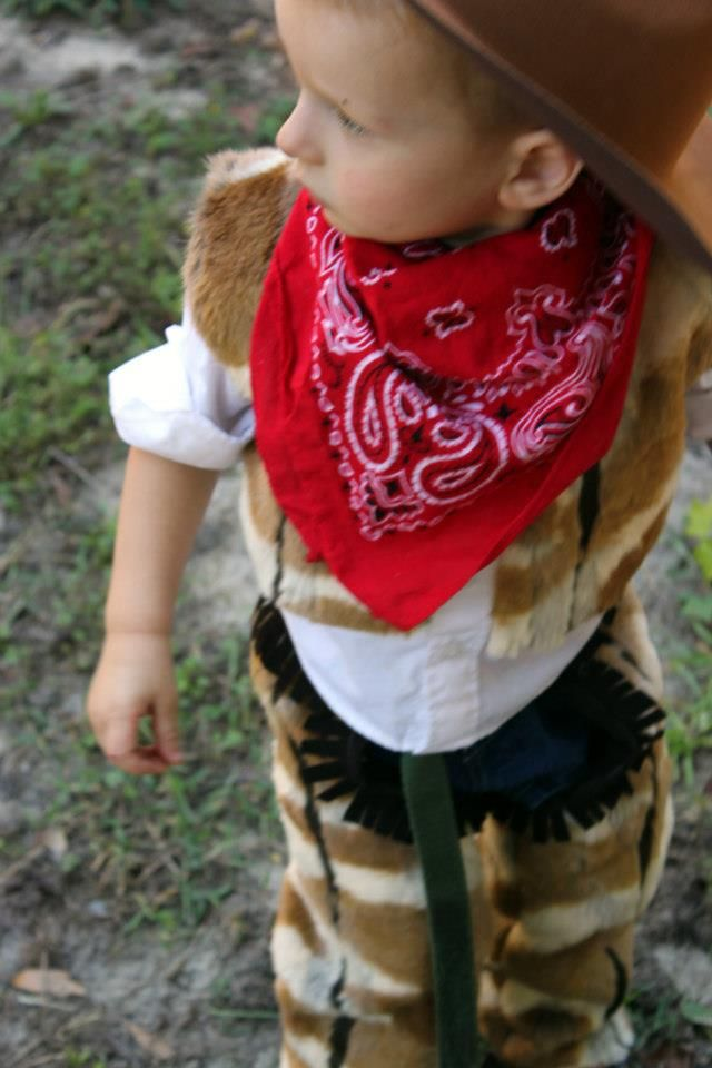 The Train To Crazy: Handmade Costumes: DIY Cowboy Costume Tutorial (chaps!)