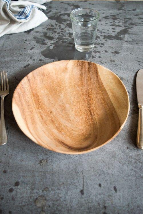 Assiette en bois d'acacia 25 cm   Assiettes et couverts