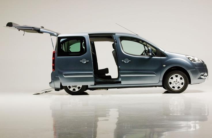 Conosci il Peugeot Partner Piano Ribassato?    http://guidosimplex.blogspot.it/2013/03/conosci-il-peugeot-partner-piano.html