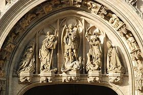 Hôtel de ville de Bruxelles :L>R ST Sebastien,  ST Christophe,  ST Michel, ST Georges and  ST Gery
