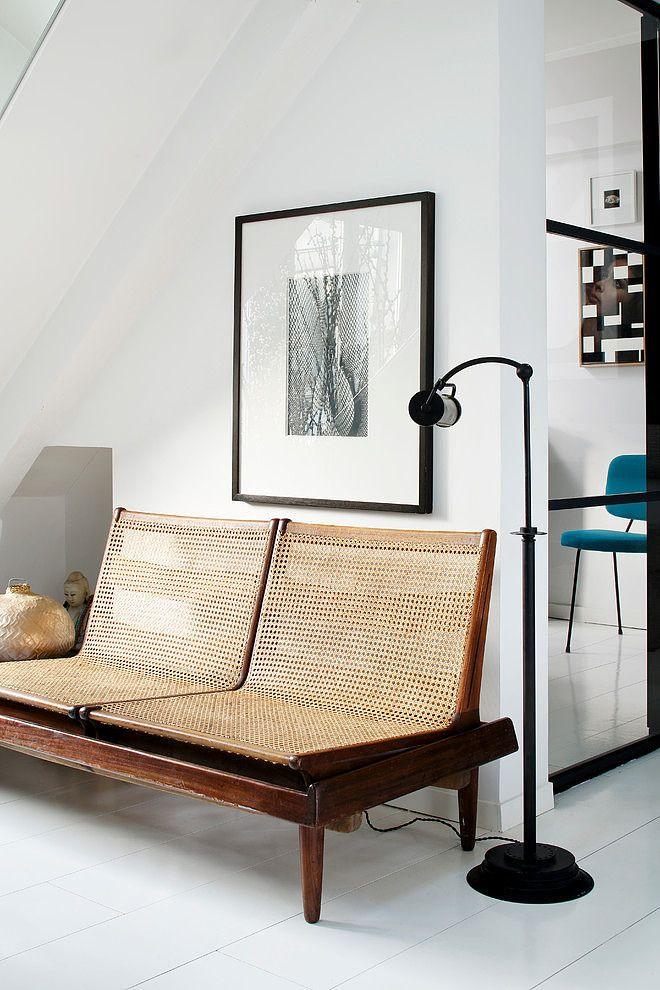 Ce beau duplex éclectique et coloré est situé à Paris, il signé Sarah Lavoine.