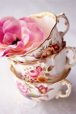 #vintage #teacups #china #design #patterns #floral #details #colors