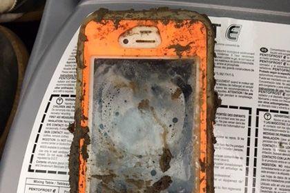 iPhone заработал после полутора лет в озере http://mnogomerie.ru/2016/11/23/iphone-zarabotal-posle-polytora-let-v-ozere/  В американском штате Пенсильвания нашли пролежавший на дне озера полтора года iPhone 4, который смог включиться. Об этом пишет BuzzFeed. Как рассказал владелец смартфона Майкл Гунтрум, он уронил гаджет в озеро во время подледной рыбалки в марте 2015 года. В сентябре 2016-го водоем осушили, а устройство с помощью металлоискателя нашел инженер-механик Дэниел Калгрен. Из…