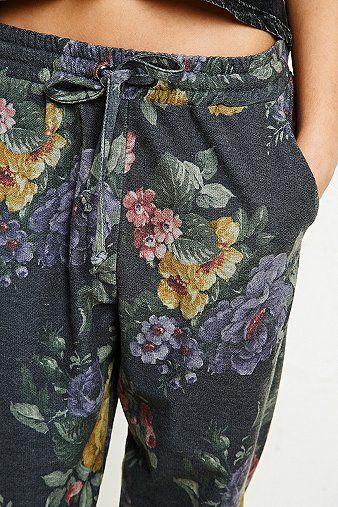 Gemütliche Joggerhose mit Blumendruck