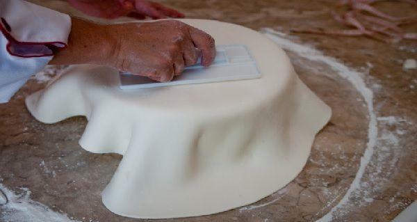 Receita de Pasta de Leite Ninho para Decorar Bolos - Receita Toda Hora