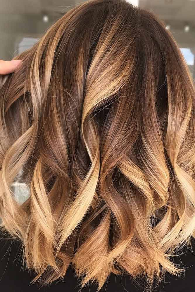 25 Shades Of Sunny Honey Blonde To Lighten Up Your Hair Colour
