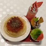 ミニチュア・ミートスパゲティ&苺のクリームソーダ