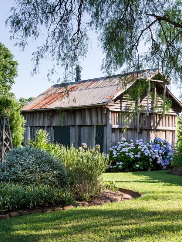 Larry and Mickey Robertson · Glenmore House — The Design Files | Australia's most popular design blog.