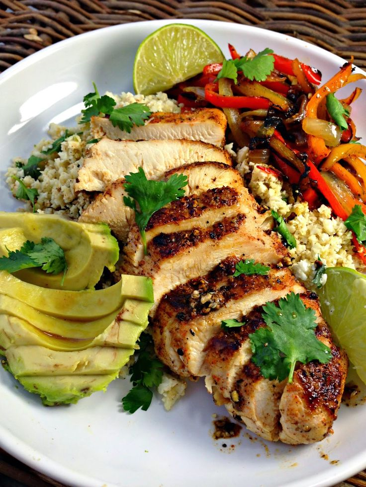 Healthy Blackened Chicken Fajitas with Cilantro Lime Cauliflower Rice (no peppers for AIP)