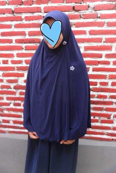 Rose 07, jilbab hameeda terbaru seri rose. salah satu seri jilbab hameeda best seller.  Detail jilbab hameeda rose 07:  Harga : L 70.000 XL : 74.000 Bahan : jersey tebal  www.botiashop.com