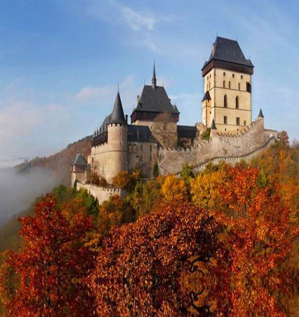 Karlštejn (Karlův Týn) gothic castle, Central Bohemia, Czechia #castle #gothic #Czechia