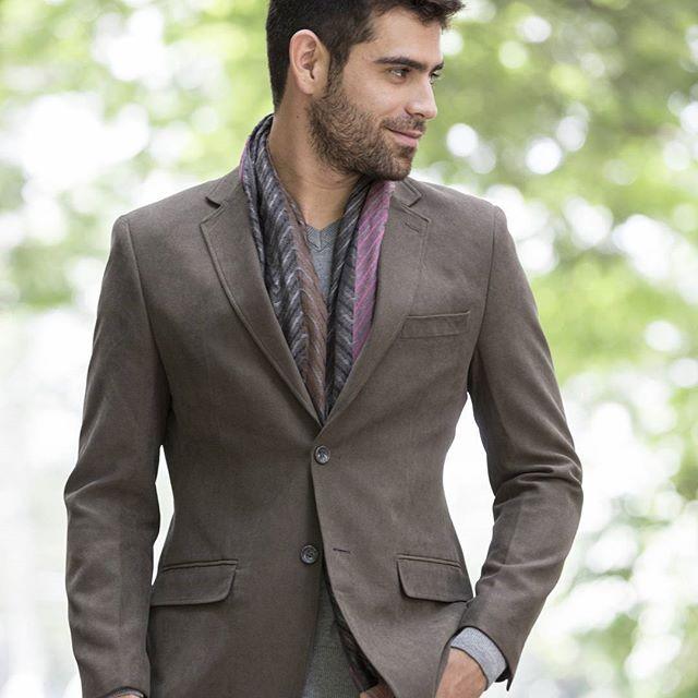 El Blazer Must Have!!, perfecto para el clima actual, se vale con todo..... buso cuello en v + fular.