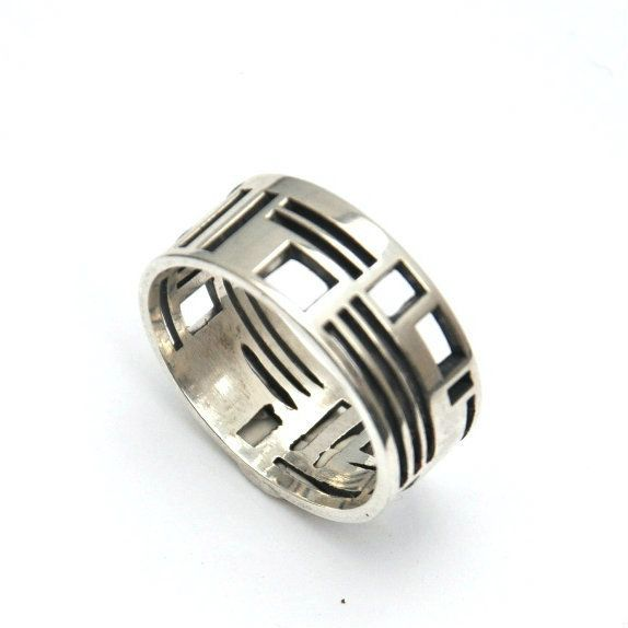 Solid Sterling Silver ring featuring architectural elements and pattern of interior and exterior spaces by La Corza