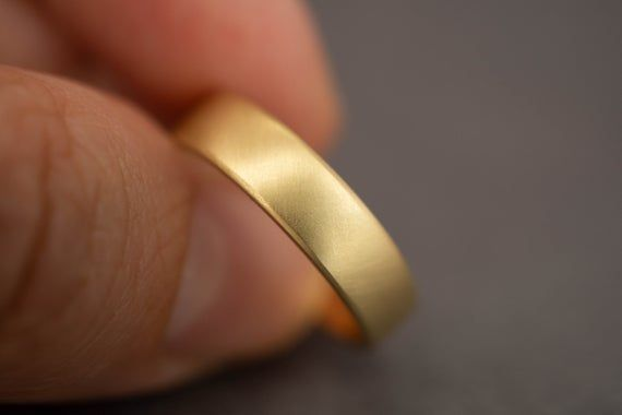 Bread Butter 18k Mens 5mm Gold Wedding Band 5mm 18k Etsy Mens Gold Wedding Band Mens Yellow Gold Wedding Bands Thick Gold Band