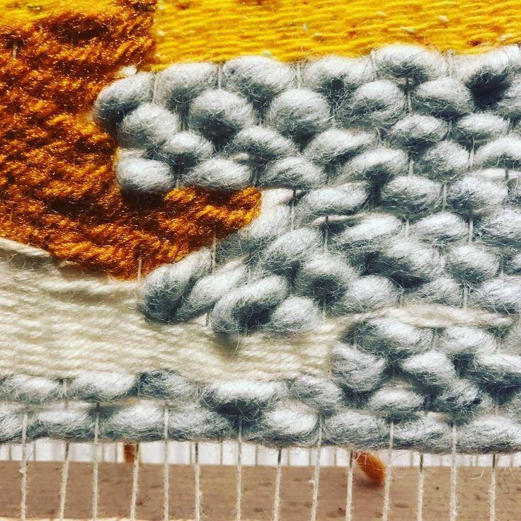 Weven aan de muur! Wij bedachten een verticaal weefsysteem waarin meerdere mensen tegelijk kunnen weven aan een wandkleed. Dit weefraam L (90 x 120 cm) van beukenhout en metaal. hangt in café / concept store BLUR, in Amersfoort. Te koop en te huur, prijs op aanvraag. #weavethestory #weven #colors #wool