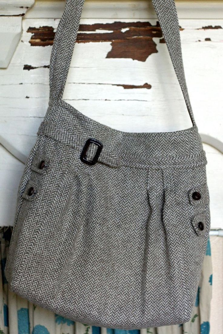 Bag made from thrift store skirt. Something else to look for. Yep. I want this too!