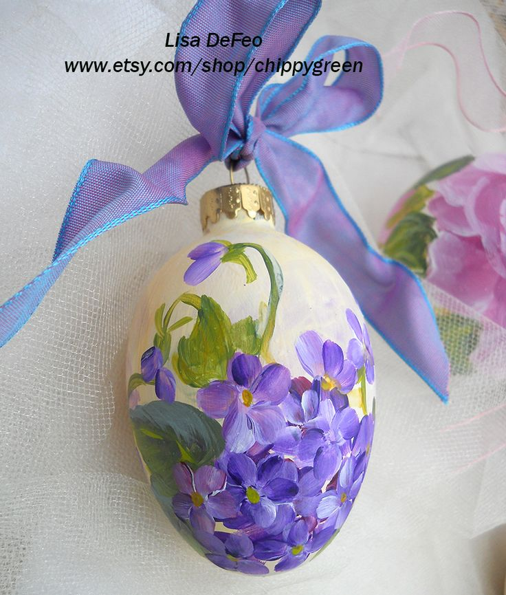 hand painted violets ornament Easter egg
