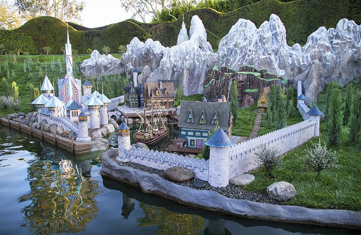 'Frozen' Now Featured in Storybook Land Canal Boats at Disneyland Park