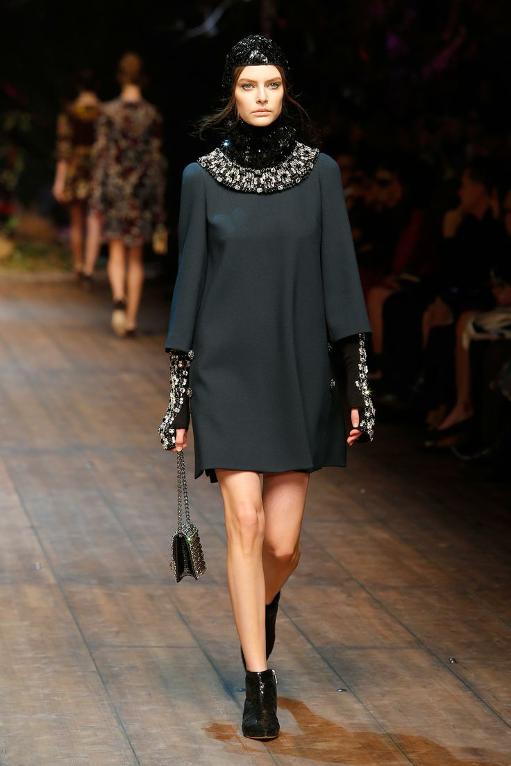 Dolce & Gabbana Woman Catwalk Photo Gallery – Fashion Show Fall Winter 2014 2015