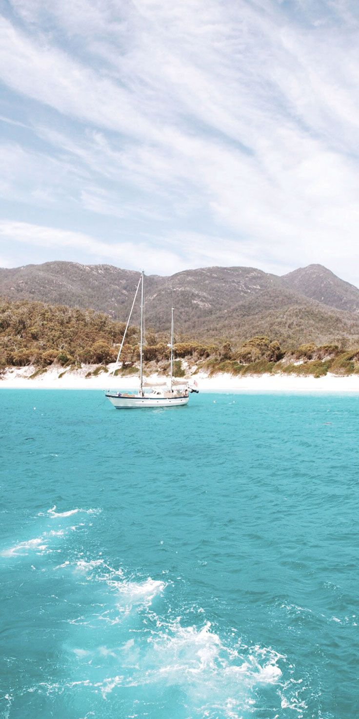 Cruising out to Wineglass Bay - by helloemilie on IG