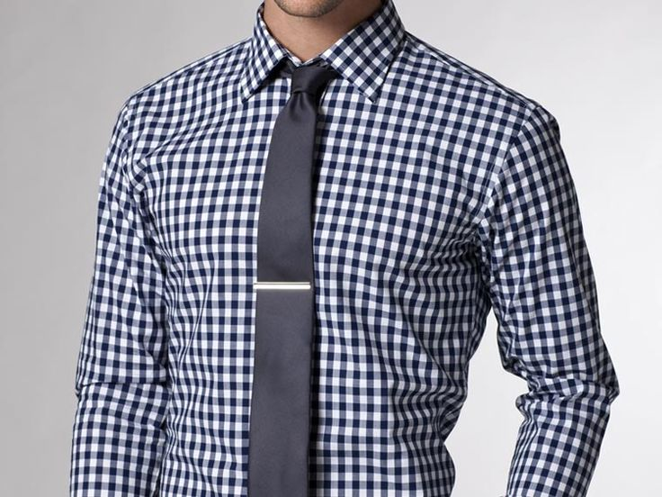 This shirt might be too loud for my taste, but neat to see a solid tie on top of a pattern. The clip really helps too. I need a tie clip.