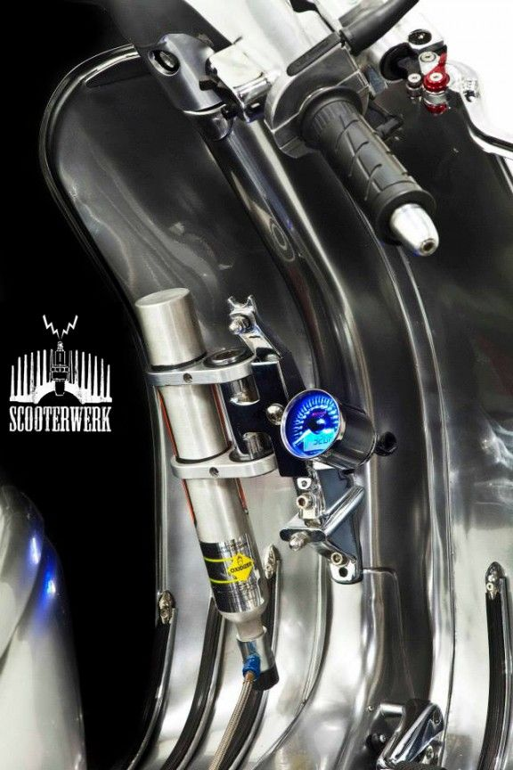 Vespa, Racer, ssscooter, Scooter Engineering, Sydney, NOS, Scooter, drop bars, digital tacho,Billet, disc brake, tubeless rim,Bitubo,BGM, STO, SIP, T5, Malossi, barrel, piston, nitros oxide, reed, engine