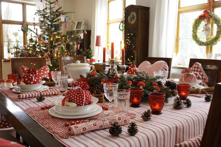 """Das Vorweihnachtsfieber ist hier in der Community angebrochen und doch gibt es auch Ende November noch Menschen, die noch nicht richtig in Weihnachtsstimmung sind... Für all die, die das ändern wollen, aber auch für Weihnachtsfans, die weiter in weihnachtlicher Vorfreude schwelgen möchten, habe ich einen schönen Buchtipp! Schon als ich das rund 140 Seiten starke Buch """"Zauberhafte Weihnacht"""" aus dem Münchner Christian Verlag zum ersten Mal durchgeblättert habe – und da war es immerhin erst…"""