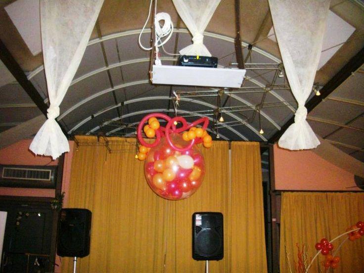 Cascata di palloncini