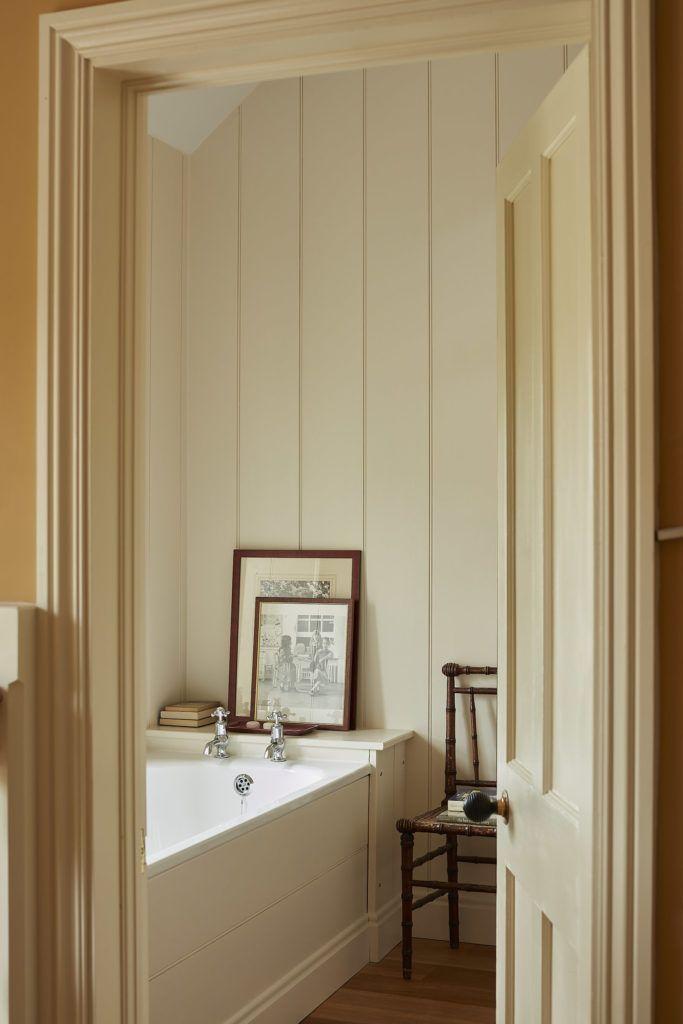 Country Houses Bathroom Country Houses Bathroom Landhauser Badezimmer Maison D In 2020 English Farmhouse Bathroom Farmhouse Style Farmhouse Style Bathroom Decor