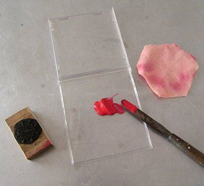 Make your own stamp pad from a recycled CD jewel case