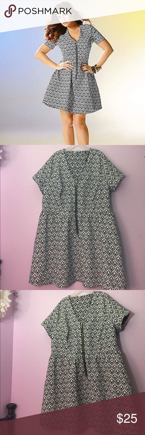 SimplyBe zipper dress Kelly Brook for SimplyBe dress. Size US20, chest is 50-54 inches and 36 inches long. Never worn, very flattering style. Simply Be Dresses