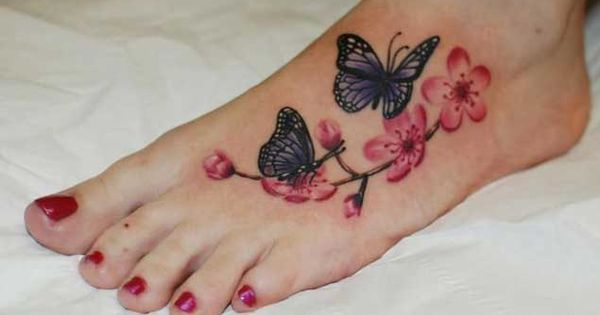 Bloem voet tatoeages Zomer and Bloem on Pinterest