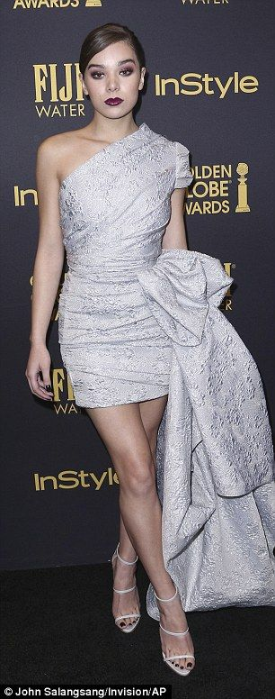 Wow!Hailee Steinfeld and Jenna Dewan put on quite the performance on the red carpet at th...