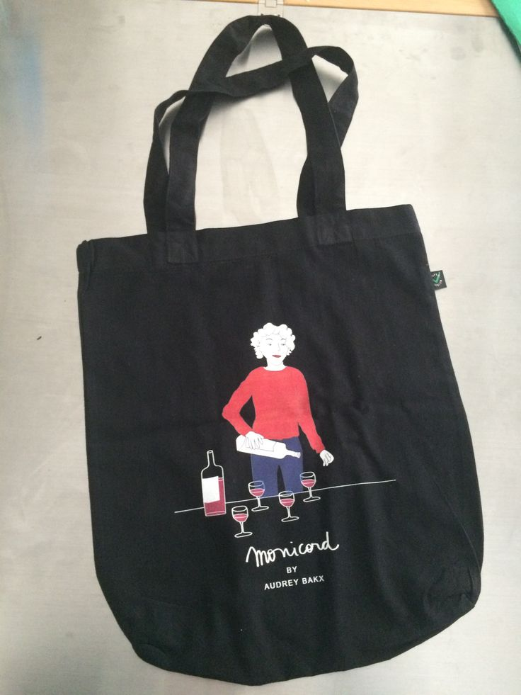 Monicord tote bag - Madame Monicord serving wine - Clos Monicord  - Monicord wines - Designs by Audrey Bakx