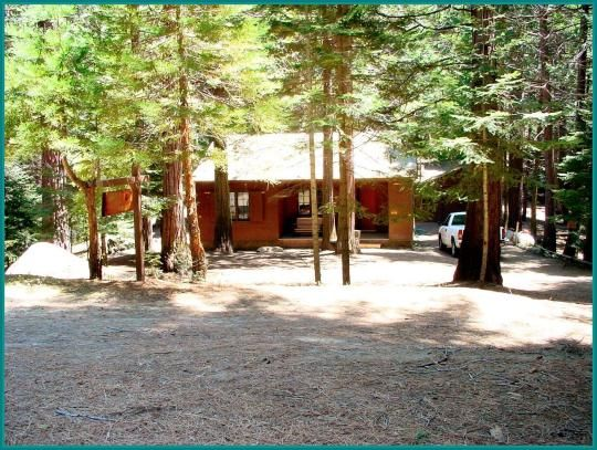 Quaking Aspen Cabin is situated in the Sequoia National Forest, about an hour from Springville, California.     The cabin was originally built in the 1930s by the Civilian Conservation Corps and was used by the Forest Service to house fire patrol, recreation workers and other personnel.