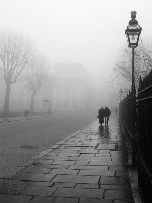 The way I imagine London to be on a foggy, fall day.... Beautiful and dream like!