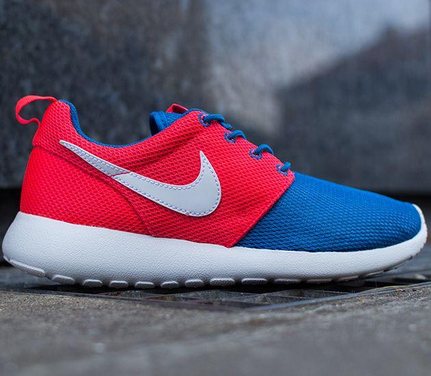 red and blue roshe runs