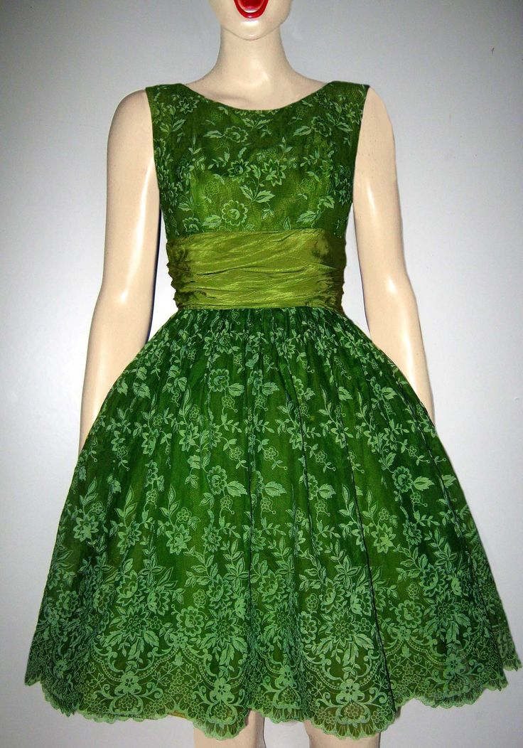 Vintage 1950s Green Floral Lace Print Full-SkirtedOrganza Dress | What a beautiful shade of green!
