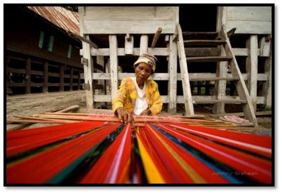 pembuatan kain ulos