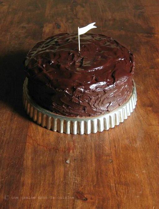 cinnamon-caramel ganache layer cake by @Valerie {une gamine}