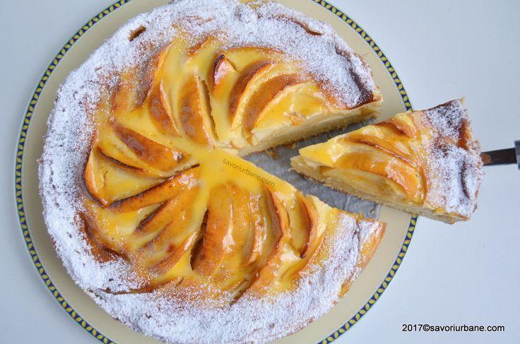 Prajitura turnata cu mere si crema fina de smantana. O reteta veche de prajitura cu mere, de pe vremea bunicii. Blatul este umed, pufos, crema este vanilata